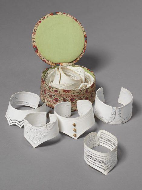 Collars and Collar Box